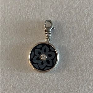 C2565 In Bloom Charm